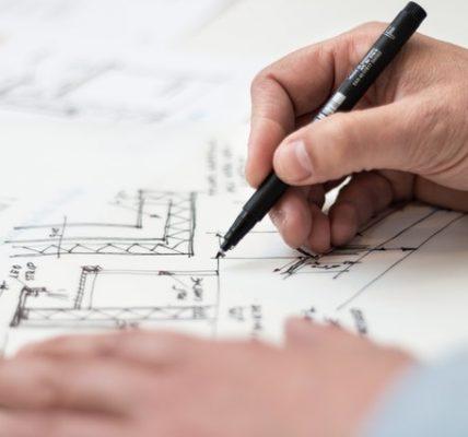 Etapy budowy domu krok po korku